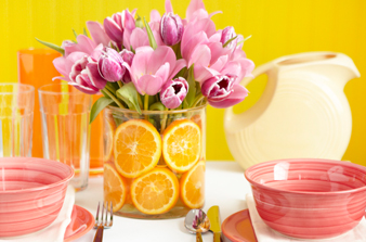 creative centerpieces- flowers and oranges