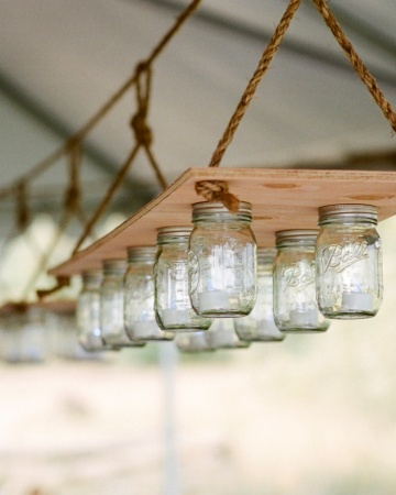 Mason jar light fixture- Amazing!