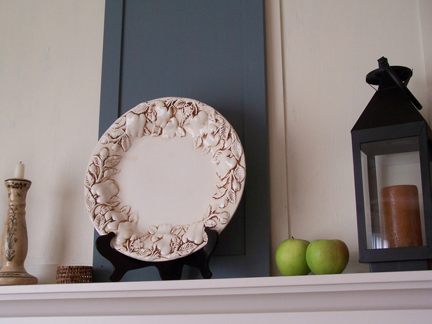 10 ways to repurpose old items- cabinet door