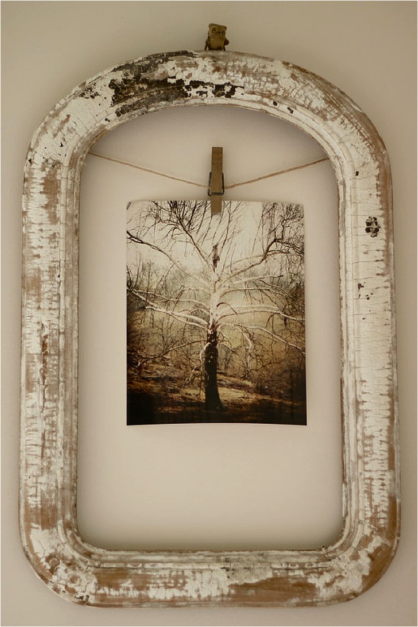 10 creative uses for old picture frames sunlit spaces for Creative ideas for old picture frames