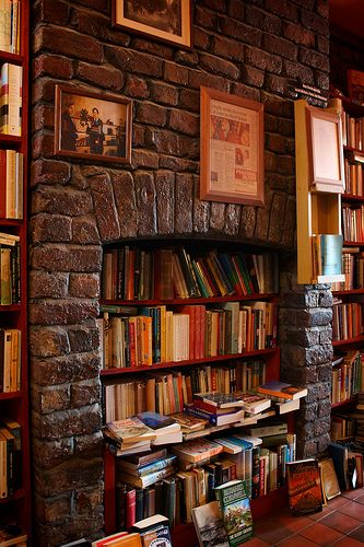 13 Great Ways to Eliminate Book Clutter