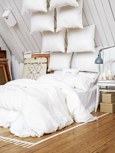 15 Homemade Headboards That Belong in a Magazine