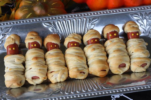 8 Spooky Halloween Party Food Ideas -