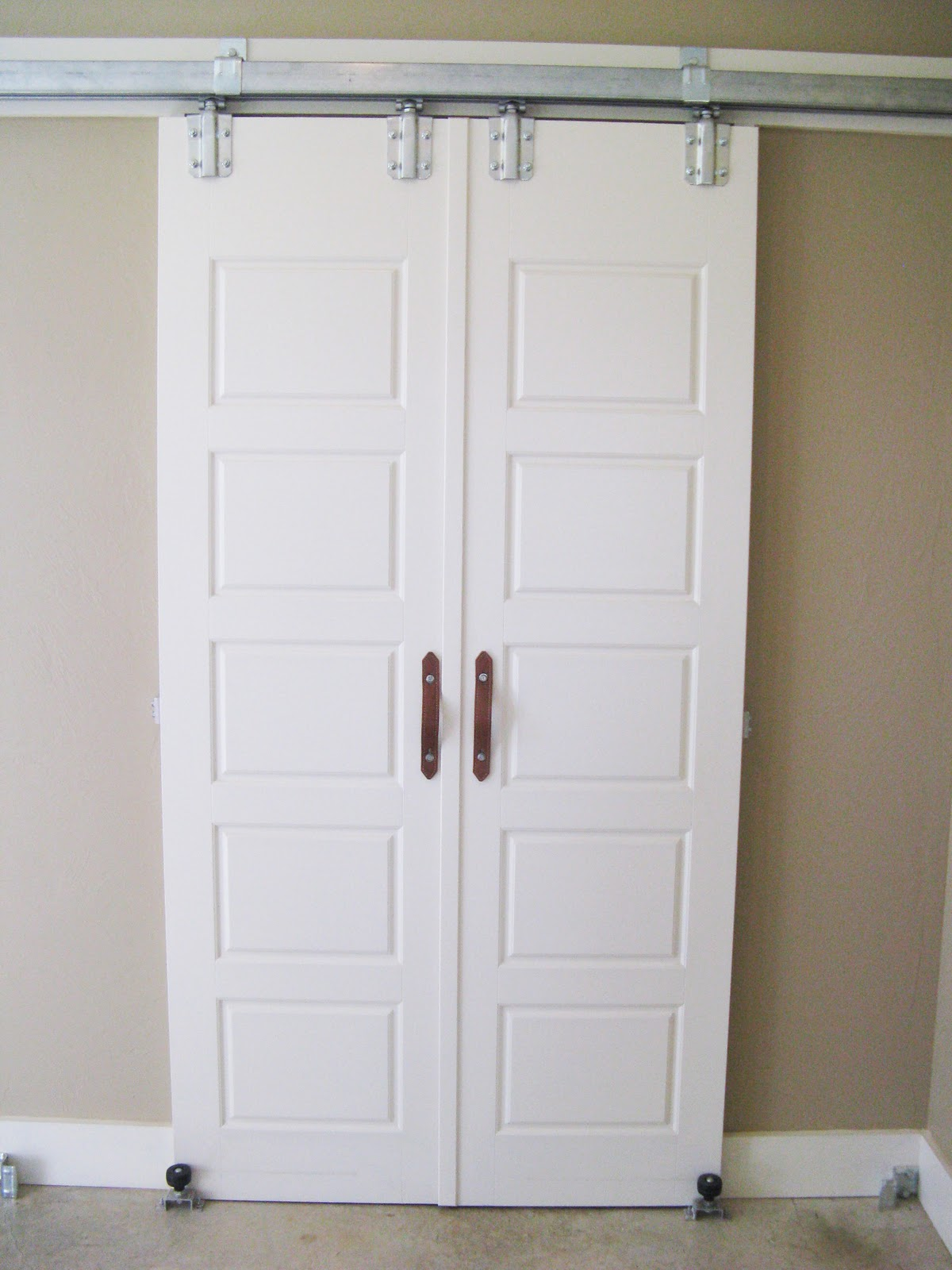 10 barn door designs for any style home page 10 of 11 - Barn door patterns ...