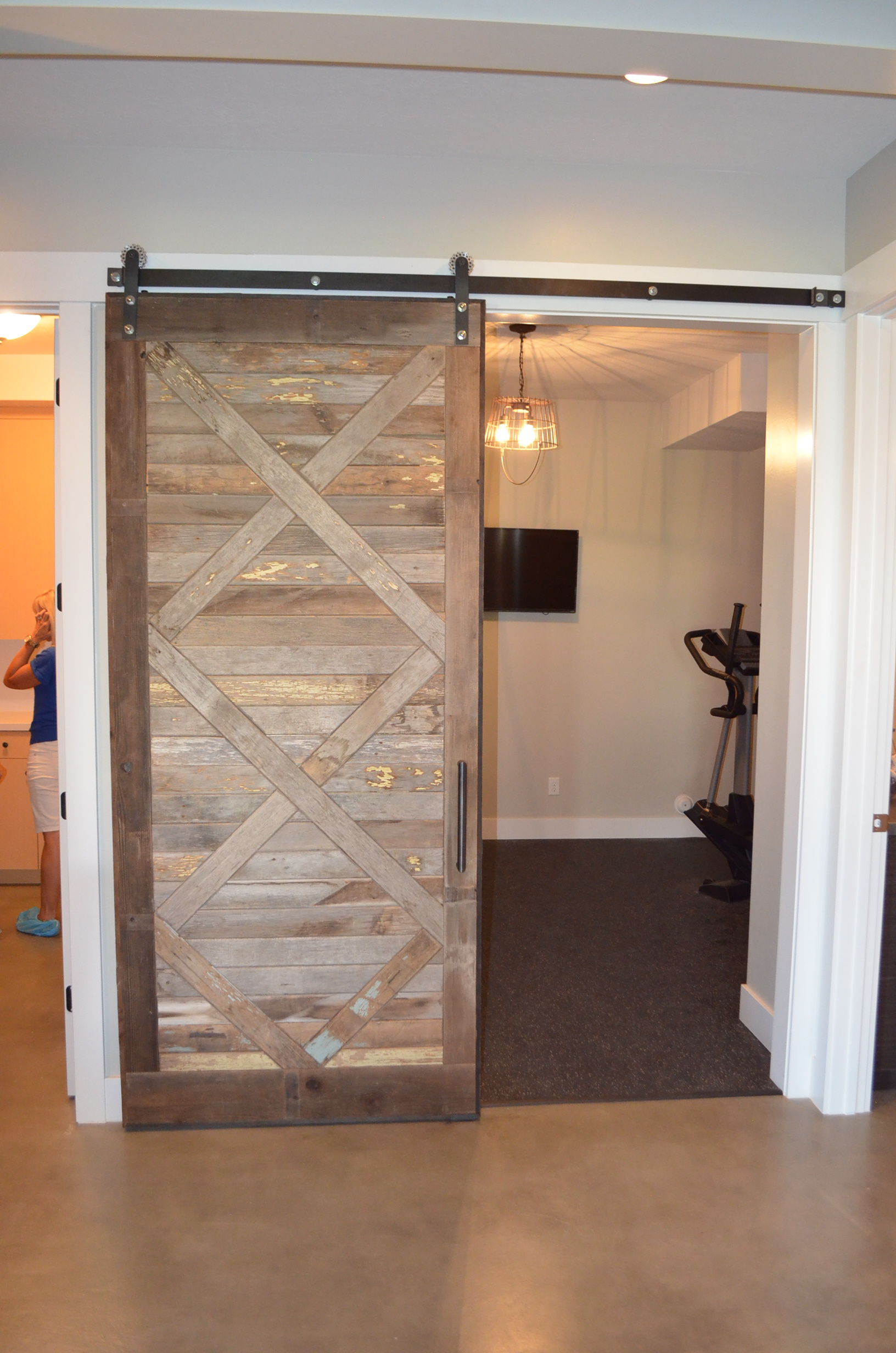 10 Barn Door Designs For Any Style Home - Page 3 of 11