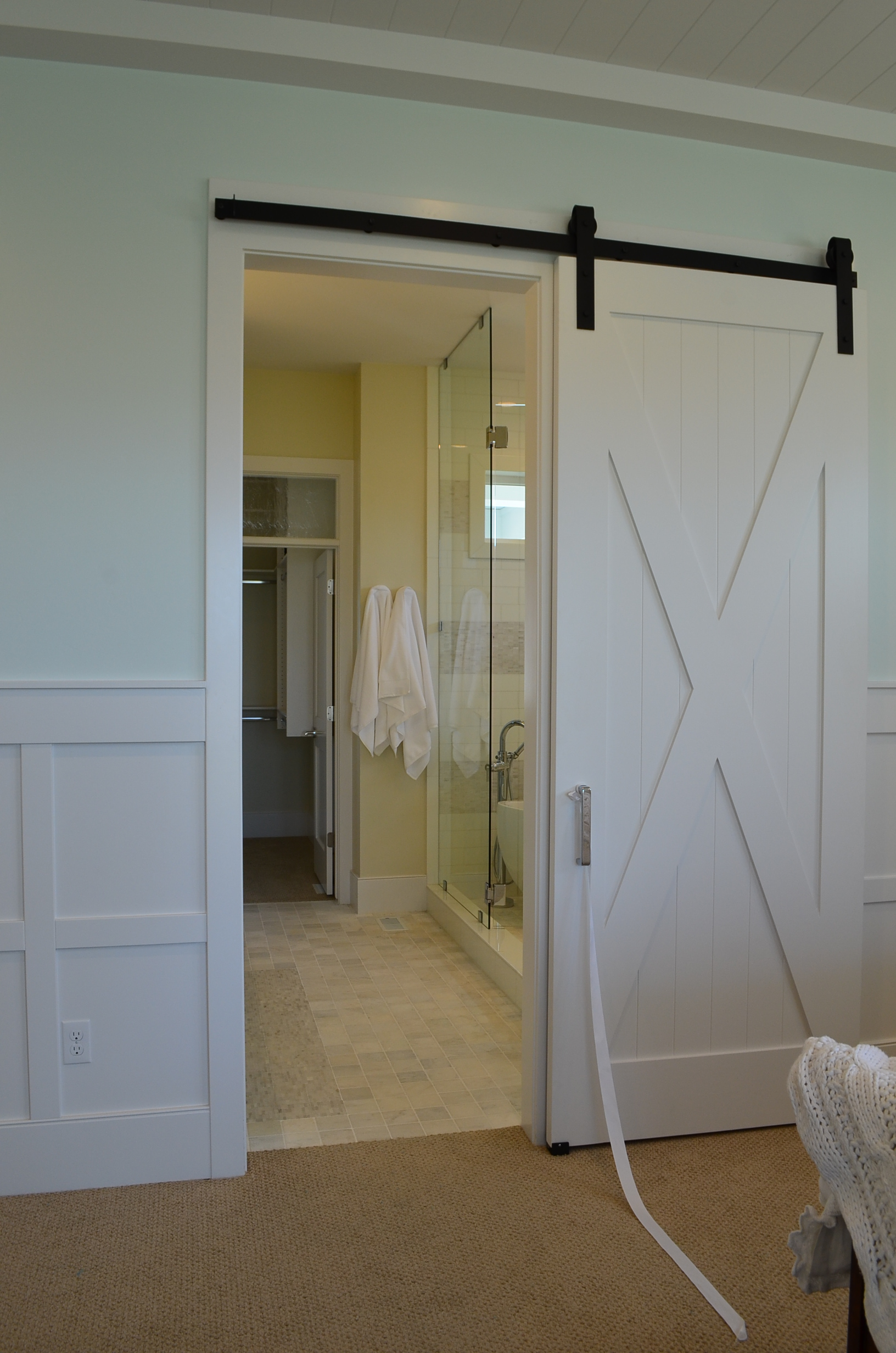10 barn door designs for any style home page 5 of 11 for Barn door designs