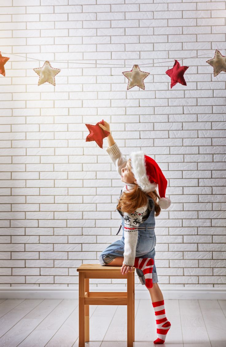 Hanging garland is a fun way to show Santa where to put the presents! Here are some amazing Christmas Eve tradition ideas for kids and families.