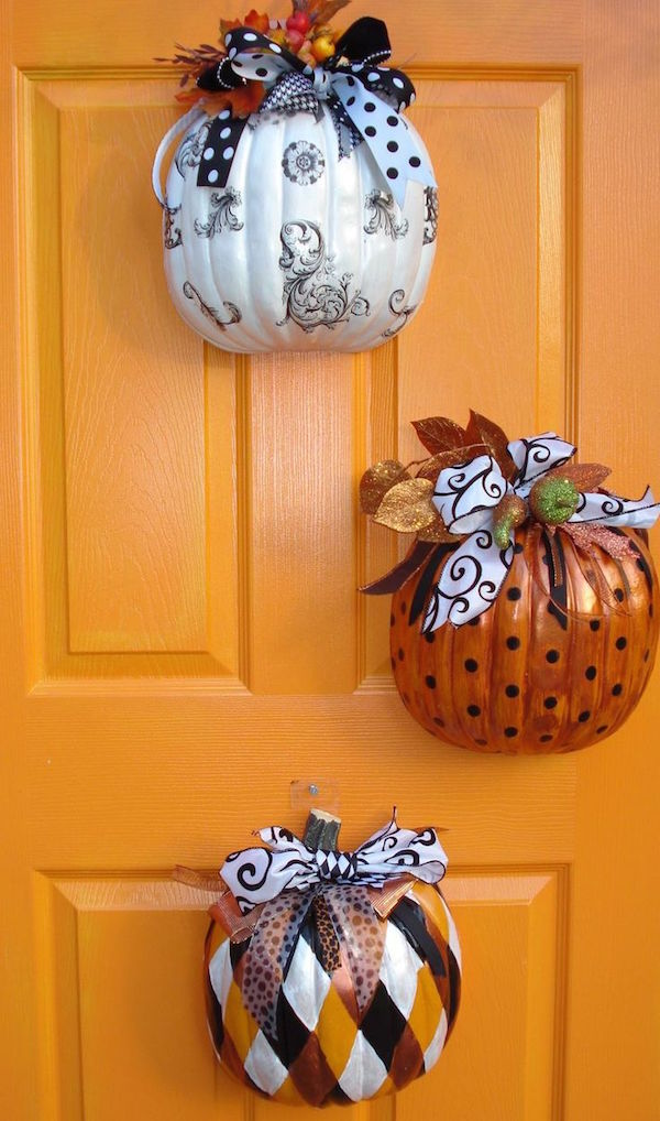 Halloween, Halloween hacks, popular pin, festive decor, DIY home decor, fall holiday, decorating for fall, Halloween party ideas.