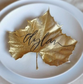 Are you looking for a creative way for place cards at your Thanksgiving table. Check out these spray painted Thanksgiving decor ideas.
