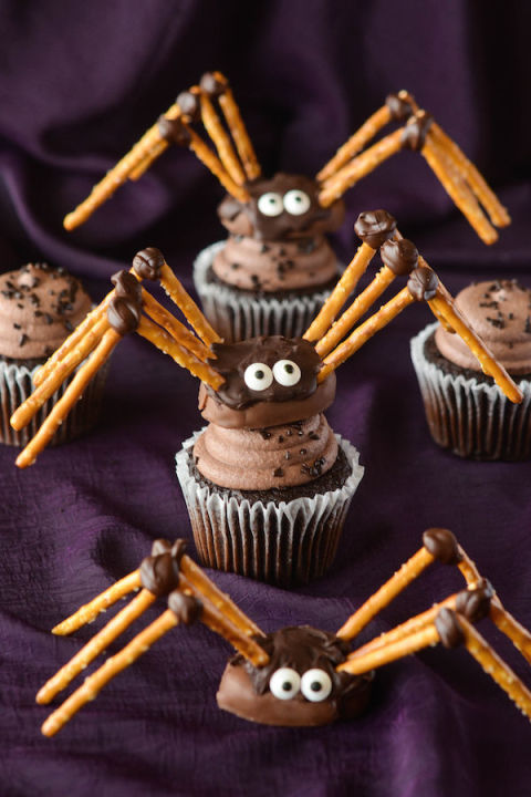 20 Yummy Halloween Cupcake Recipes10