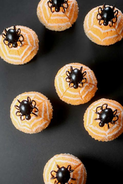 20 Yummy Halloween Cupcake Recipes19
