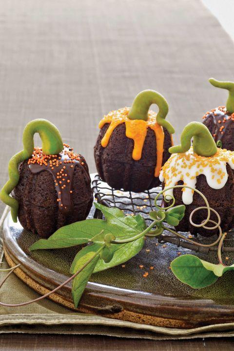 20 Yummy Halloween Cupcake Recipes8