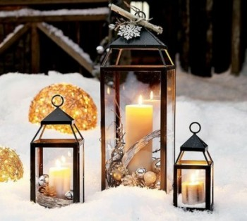 20 Ways to Decorate Your Porch for Christmas10