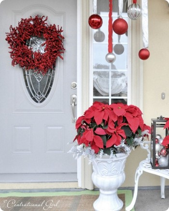 20 Ways to Decorate Your Porch for Christmas18