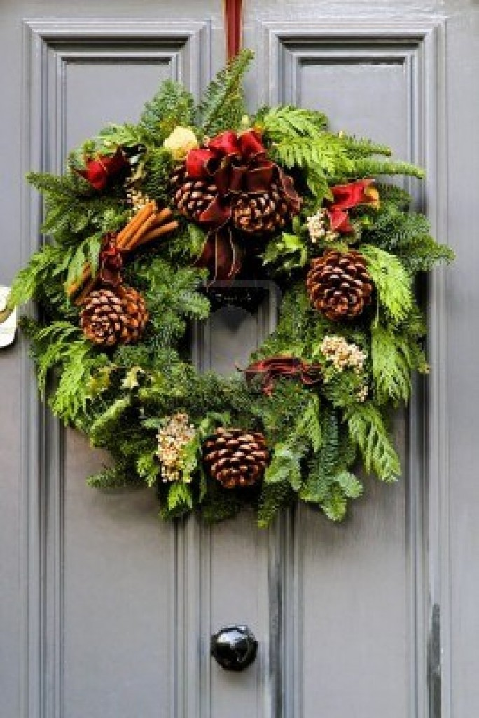 20 Ways to Decorate Your Porch for Christmas4