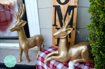 20 Ways to Decorate Your Porch for Christmas8