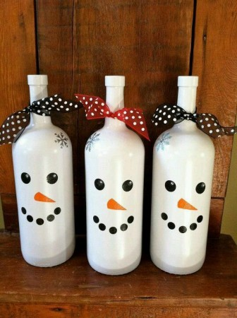 12-ways-to-reuse-wine-bottles-christmas-decor-edition3