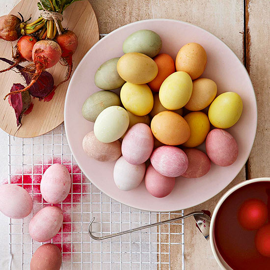 Easter Eggs, How to Dye Easter Eggs, How to Naturally Dye Easter Eggs, Easter Eggs, Easter, Easter Activites, Easter Activites for Kids, Kids Easter Activites, Kid Easter, Popular Pin