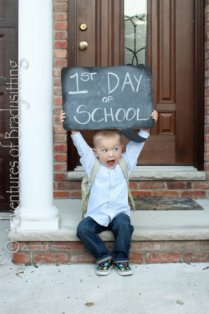 Cute Ideas for Back to School Photos| Photo Ideas for Back to School, Back to School Photos, Posing In Photography, Photography Hacks, Photography Tips and Tricks