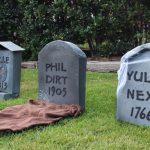 Cardboard Tombstones, DIY Cardboard Tombstones, Halloween Home Decor, DIY Halloween Decor, Outdoor Halloween DIYs
