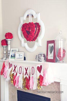 114 Charming Mantelpiece Decor Ideas for Valentines Day| Valentines Day Decor, Mantelpiece Decor, Mantelpiece DIYs, Holiday Home, Holiday Home Decor #ValentinesDay #HolidayHome