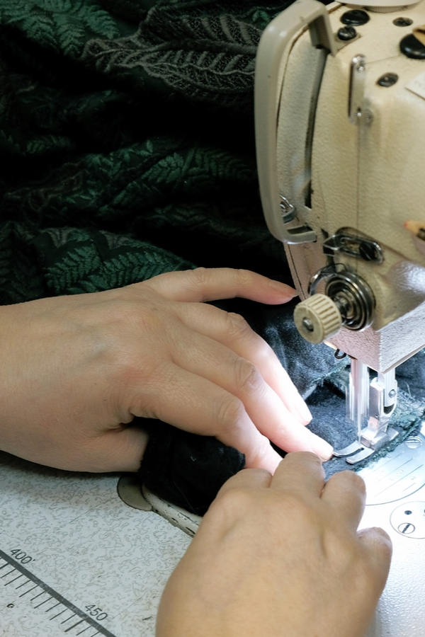 If you're a sewer, you need to know these 10 sewing tricks professionals refuse to share. Don't worry about pinning your projects, that's just one more step to complete.