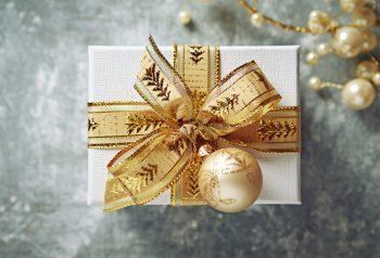 Gold Christmas Decor | Gold Christmas | Gold Decorations | Gold | Gold Christmas Decor Ideas | Christmas | Go for the Gold | Gold Christmas Decoration Ideas