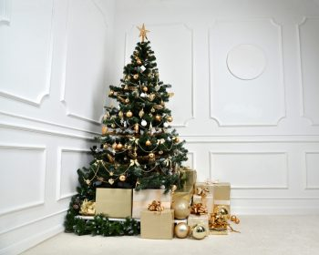 Gold Christmas Decor | Gold Christmas | Gold Decorations | Gold | Gold Christmas Decor Ideas | Christmas | Go for the Gold | Gold Christmas Decoration Ideas