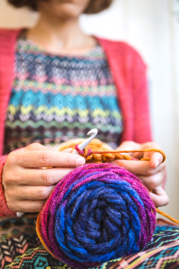 Now that it's cold outside, you need to find a way to stay warm. Here are some great beanies to crochet. You'll love making them.