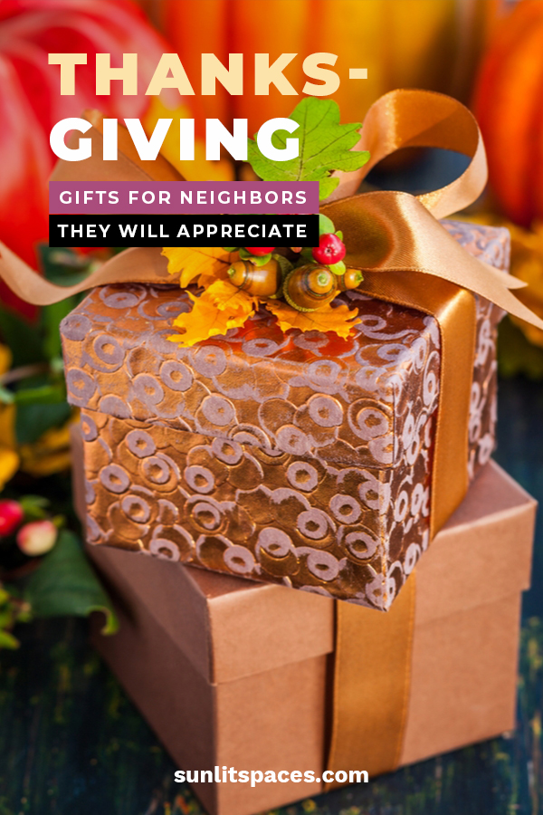 Thanksgiving is a time spent with family and those you love, but it can also be a time to remember your awesome neighbors that you are so thankful for. Take a look at some of the ideas we have for Thanksgiving gifts. These ideas are incredibly easy and are wonderful DIY projects. A homemade gift always means so much more. Take a look at our basket, mason jar ideas. You will be thankful you did. #thanksgivinggiftideas #showthanks