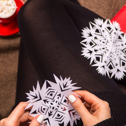 DIY Snowflake Holiday Decor