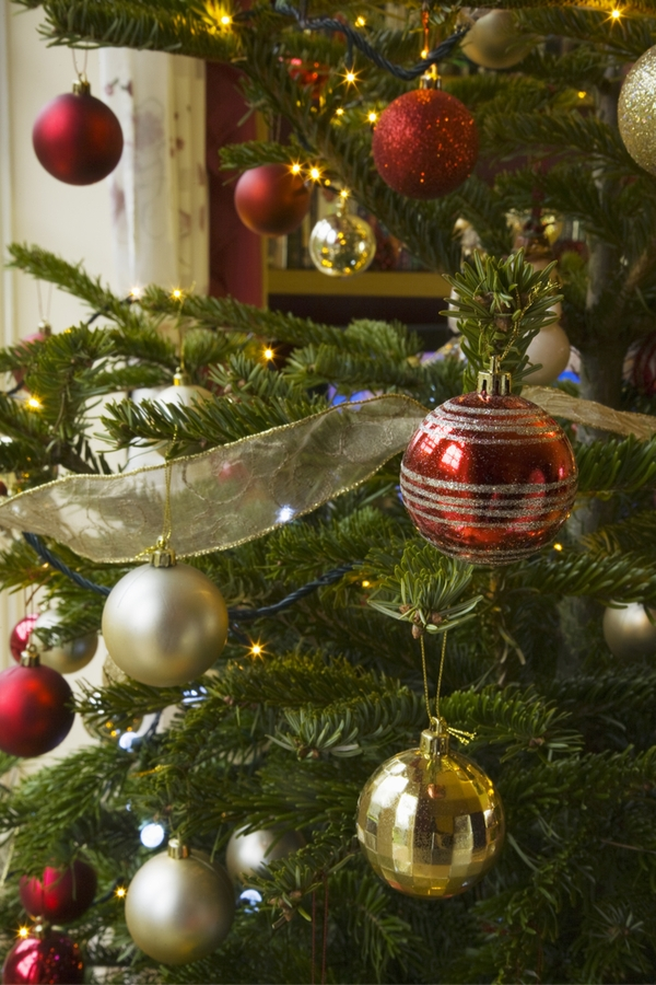Do you want to know how to add ribbon to a Christmas tree? It's really pretty simple. Here's everything you need to know on how to add ribbon to a Christmas tree.