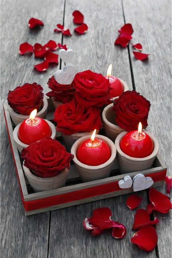 Are you looking for cute Valentine's Day decorations? Why not make some adorable Valentine's wood decor? This wood tray can be used for many different things and will help set the mood.