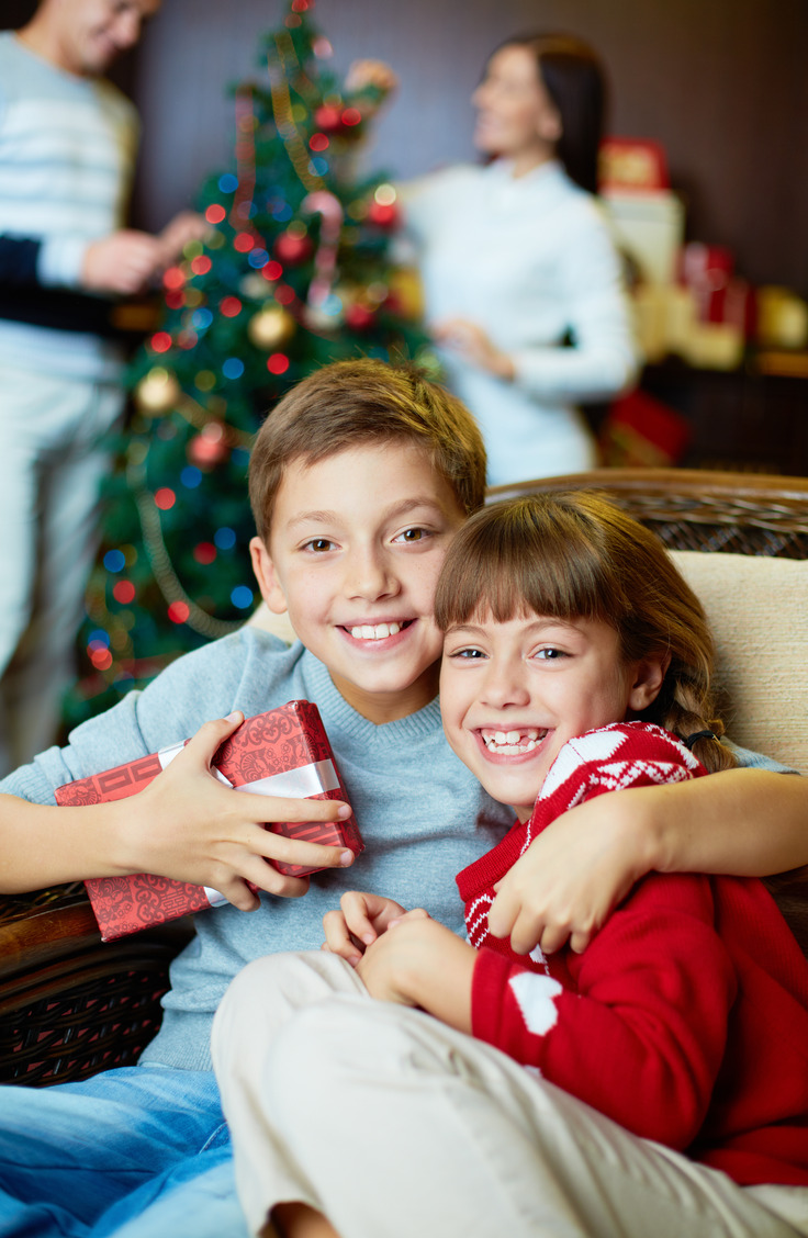 Are you trying to come up with some great Christmas traditions? Here are some amazing Christmas Eve tradition ideas for kids and families.