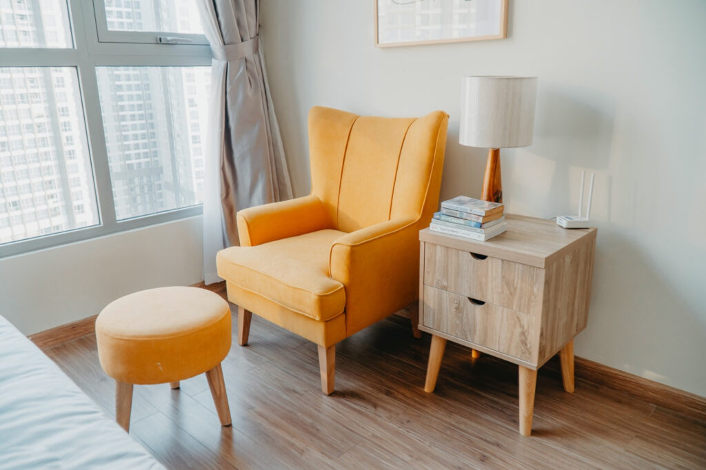 How to Changing the Color of Your Furniture without Sanding