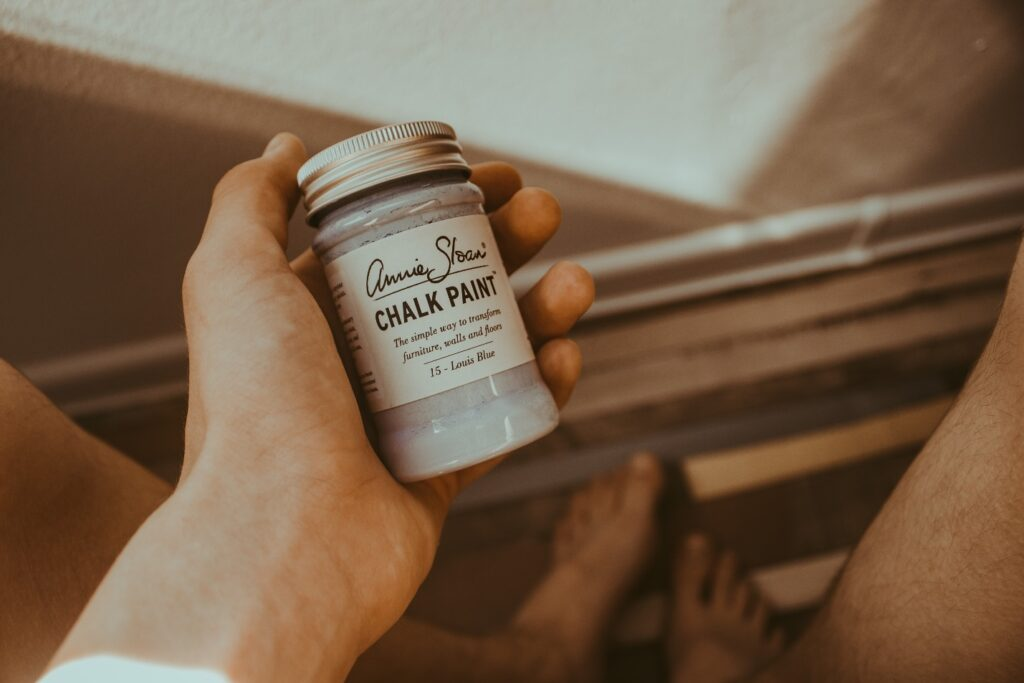 How to Make Chalk Paintat Home